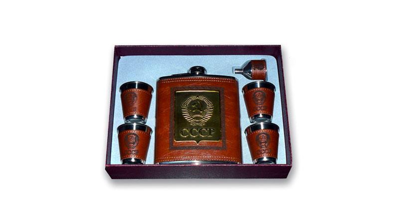 Фляжка и стаканы сувенирные